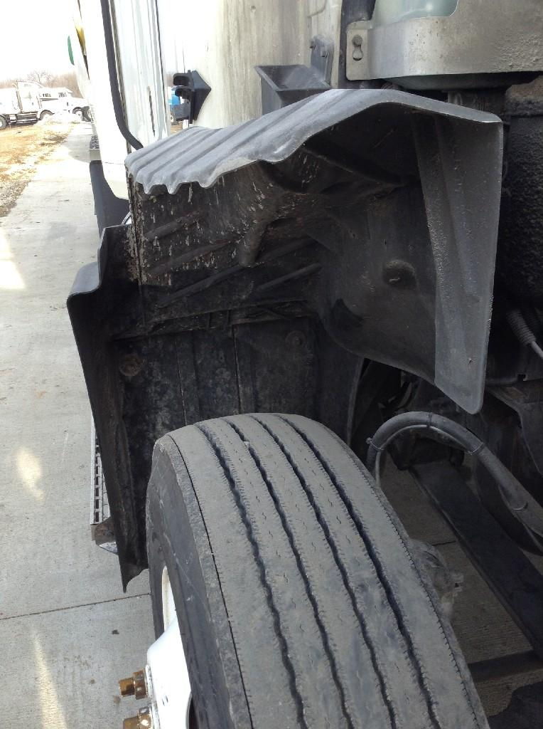 Used Fender for 2005 MACK CX VISION 175.00 for sale-57244291