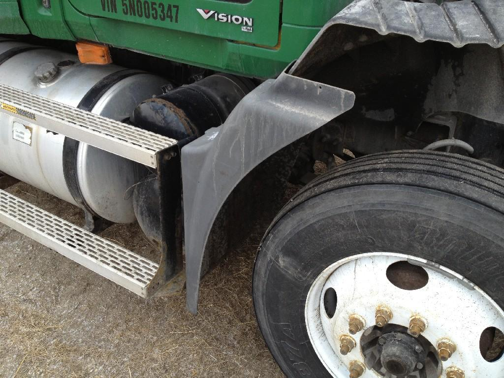 Used Fender for 2005 MACK CX VISION 175.00 for sale-57244351