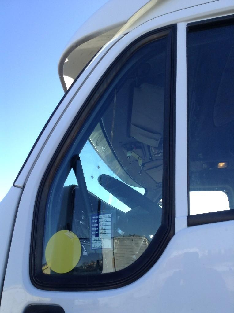 Used Door Vent Glass for 2006 PETERBILT 387 100.00 for sale-57187551