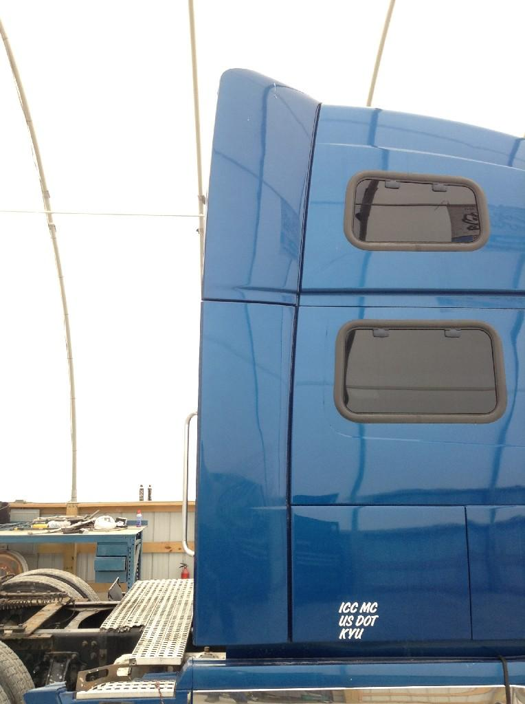 Used Fairing for 2007 VOLVO VNL 300.00 for sale-57232291