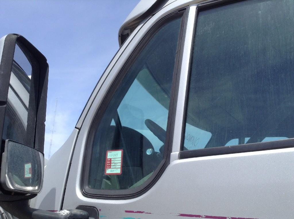 Used Door Vent Glass for 2001 KENWORTH T2000 50.00 for sale-57187591