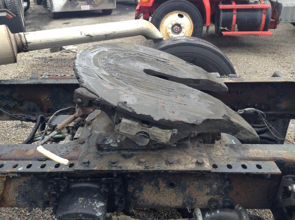 Used Fifth Wheel for 2002 VOLVO VNM 450.00 for sale-57265041