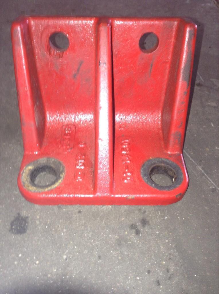 Used Engine Mounts for 2001 FREIGHTLINER FLD120 100.00 for sale-57206811