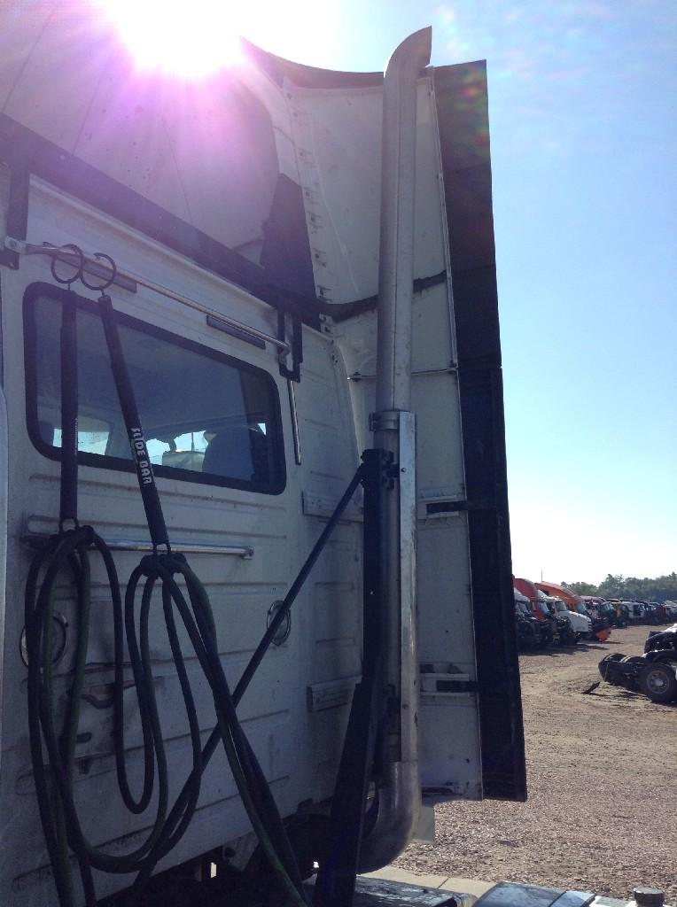 Used Fairing for 2013 VOLVO VNL 300.00 for sale-57232451