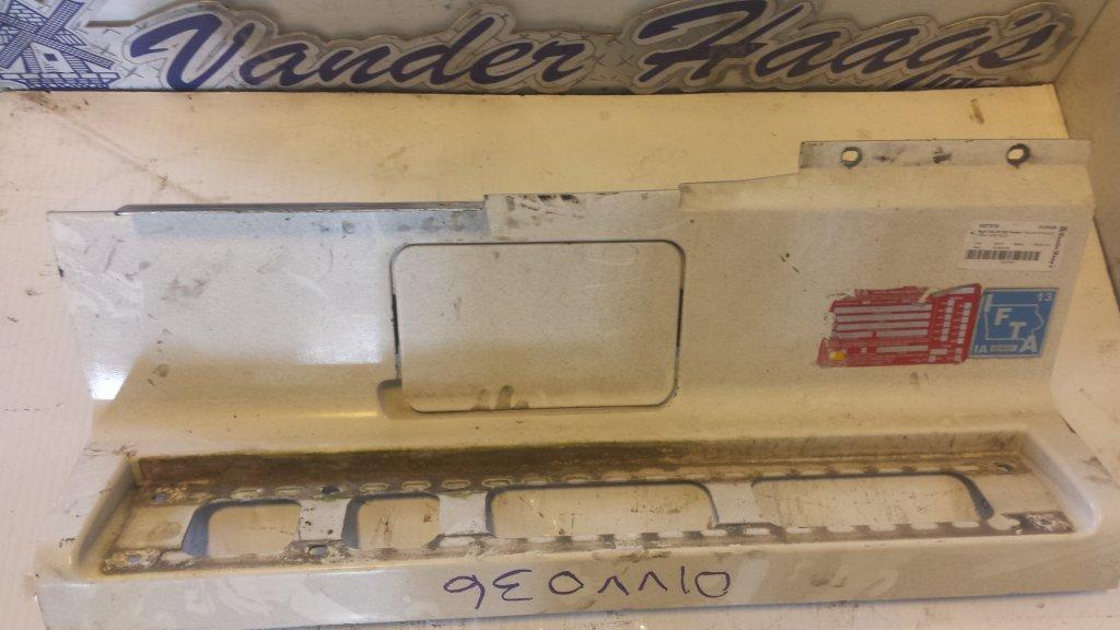 Used Fender for 2001 VOLVO VNL 125.00 for sale-57243971