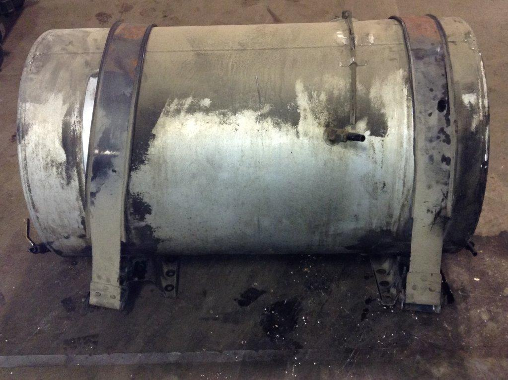Used Fuel Tank for 2001 VOLVO VNL 650.00 for sale-57279031