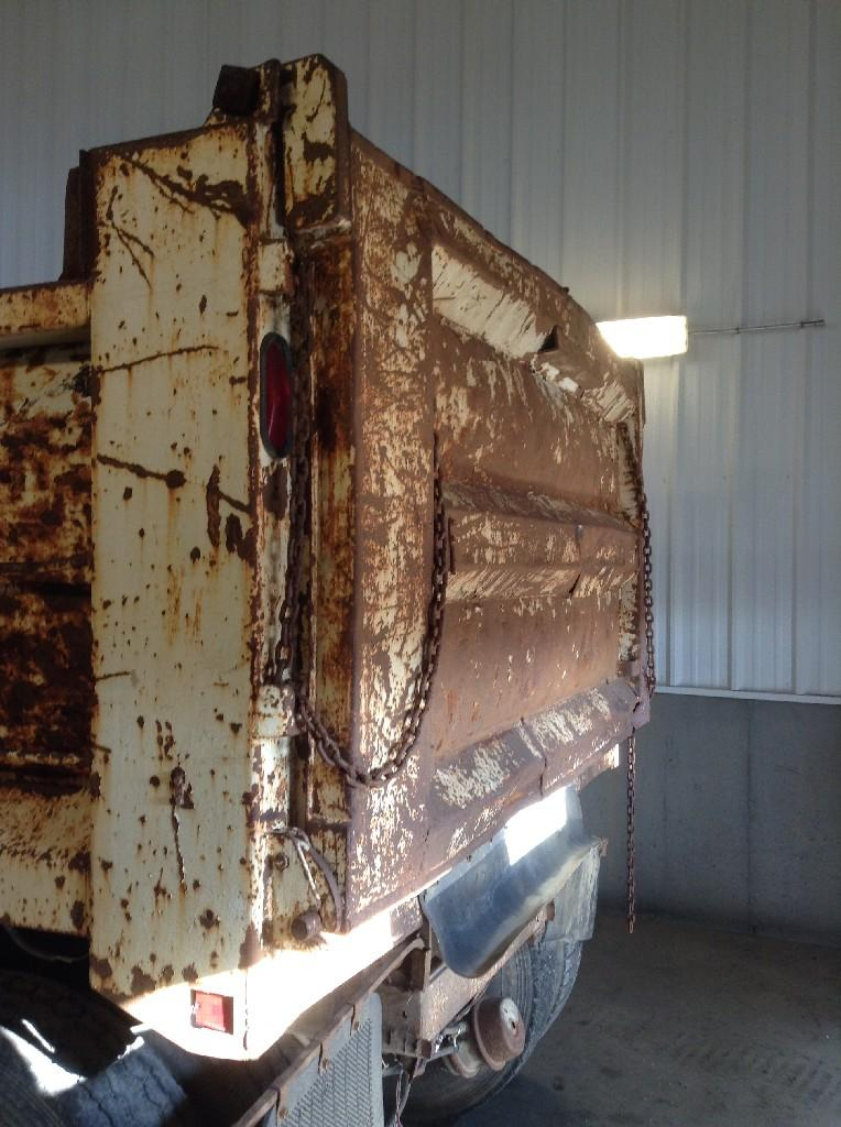 Used Dump bodies for 1985 INTERNATIONAL S2500 2000.00 for sale-57189791