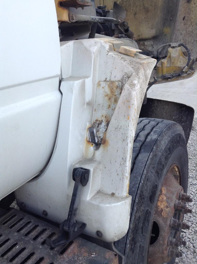 Used Fender for 2000 GMC C7500 50.00 for sale-57244841