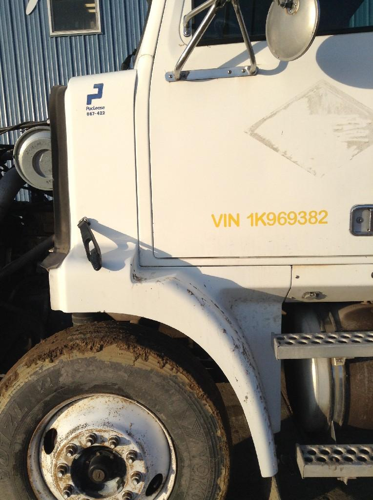 Used Fender for 2001 Western Star 5800 325.00 for sale-57245221