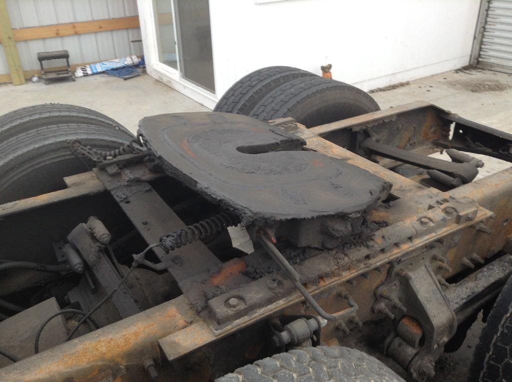 Used Fifth Wheel for 2007 VOLVO VNL 450.00 for sale-57264511