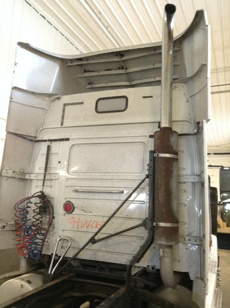 Used Exhaust Assembly for 1999 VOLVO VNL 250.00 for sale-57216681