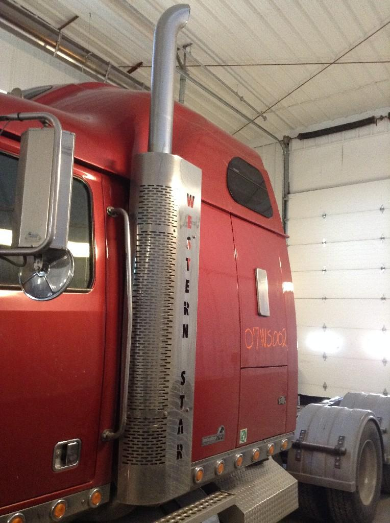 Used Exhaust Assembly for 2007 Western Star 4900 500.00 for sale-57216711