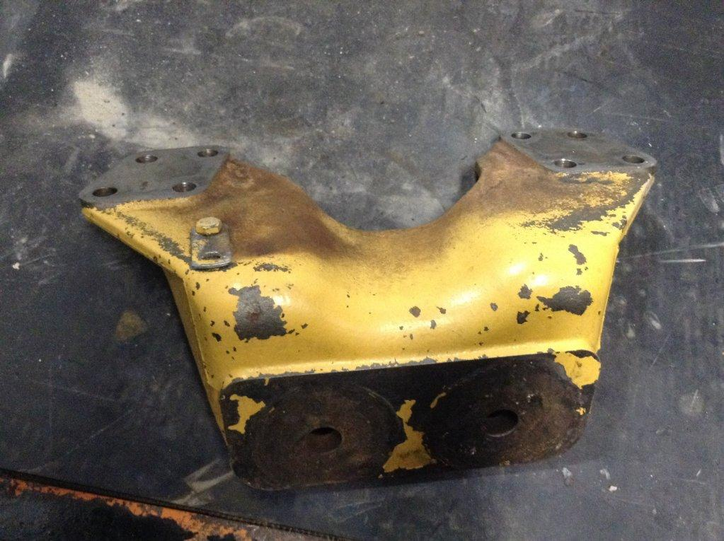 Used Engine Mounts for 2001 FREIGHTLINER FLD112 150.00 for sale-57206881