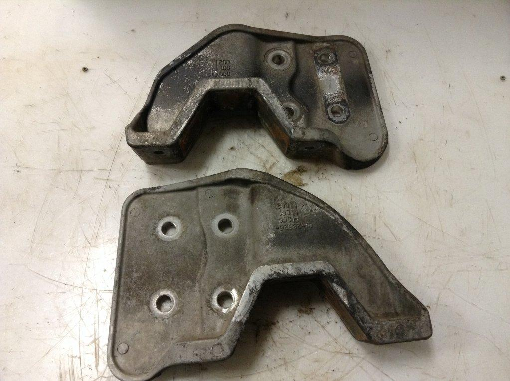 Used Engine Mounts for 2003 STERLING A9513 200.00 for sale-57206891