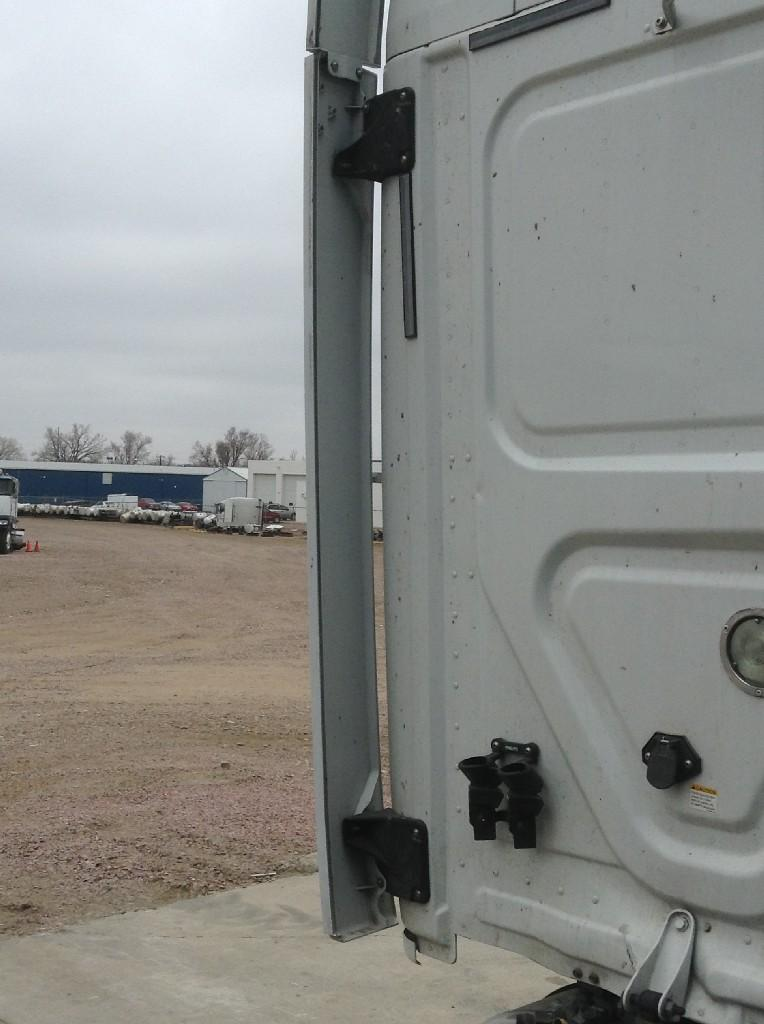 Used Fairing for 2009 FREIGHTLINER CASCADIA 250.00 for sale-57221061