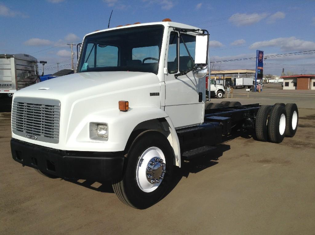 Heavy duty cab a 2003 FREIGHTLINER FL80 for sale-44699241