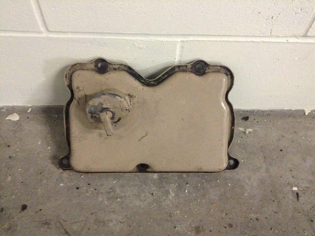 Used Engine Valve Cover for 1986 KENWORTH W900B 70.00 for sale-57215011