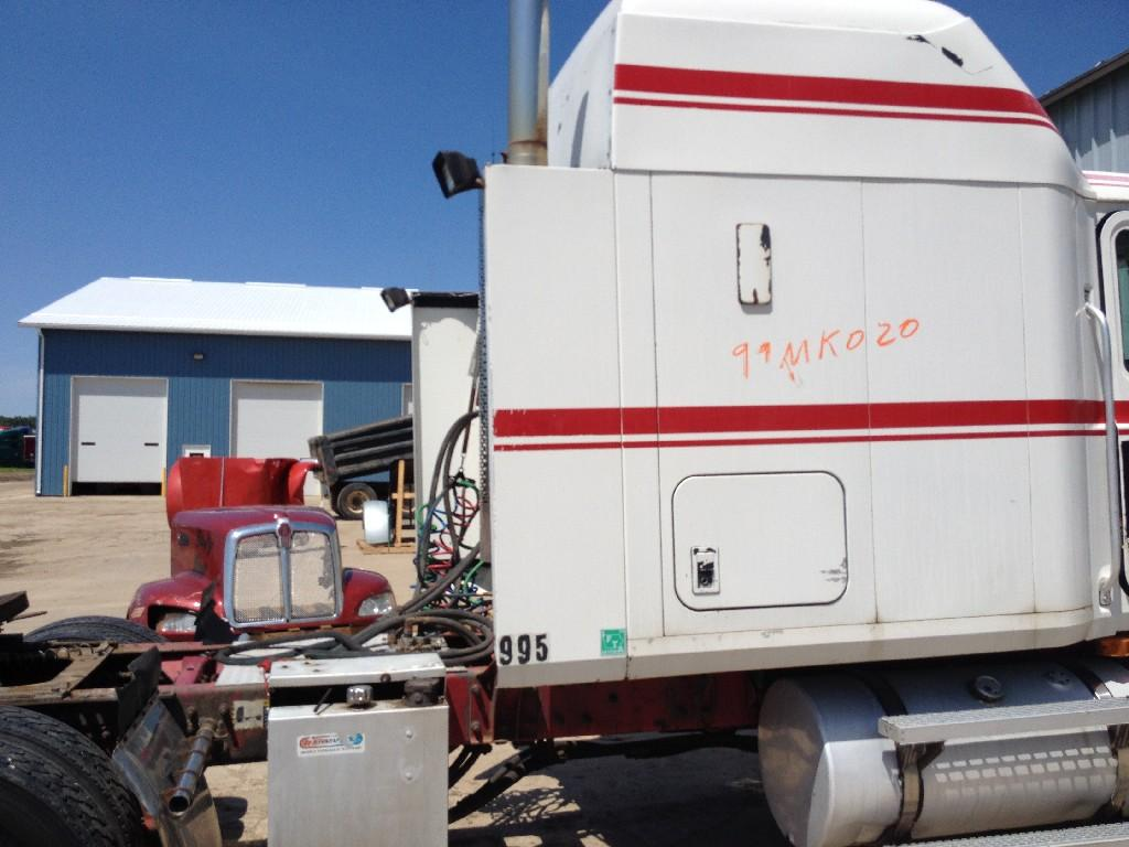 Used Fairing for 1999 MACK CH600 150.00 for sale-57218911