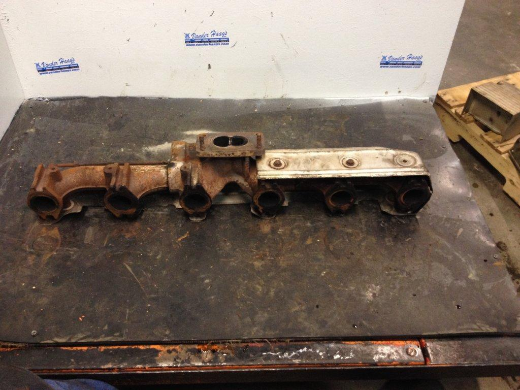 Used Exhaust Manifold for 2006 STERLING A9513 250.00 for sale-57217811