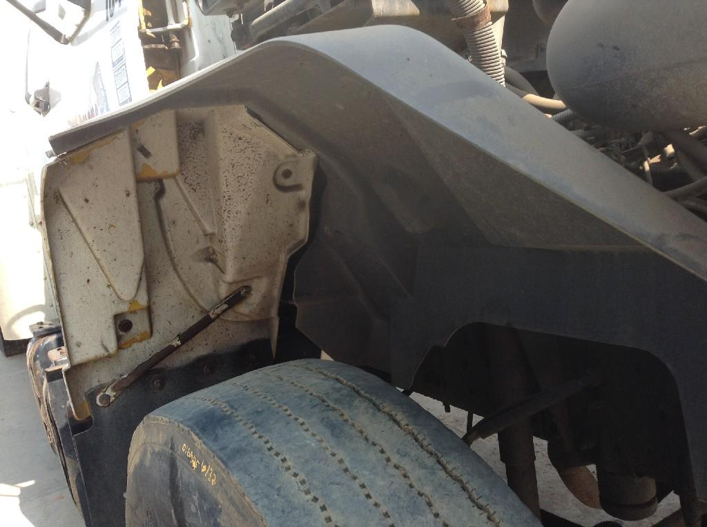 Used Fender for 2001 GMC C7500 50.00 for sale-57246071