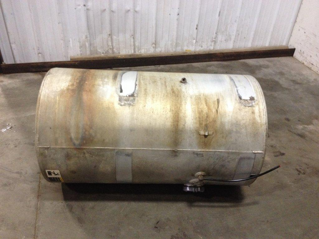 Used Fuel Tank for 1995 VOLVO WCA 450.00 for sale-57279381