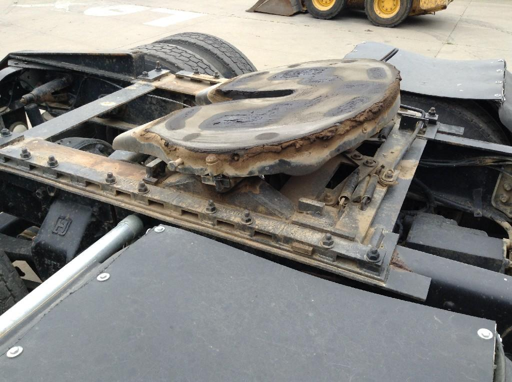 Used Fifth Wheel for 1995 Ford LT9000 400.00 for sale-57267331