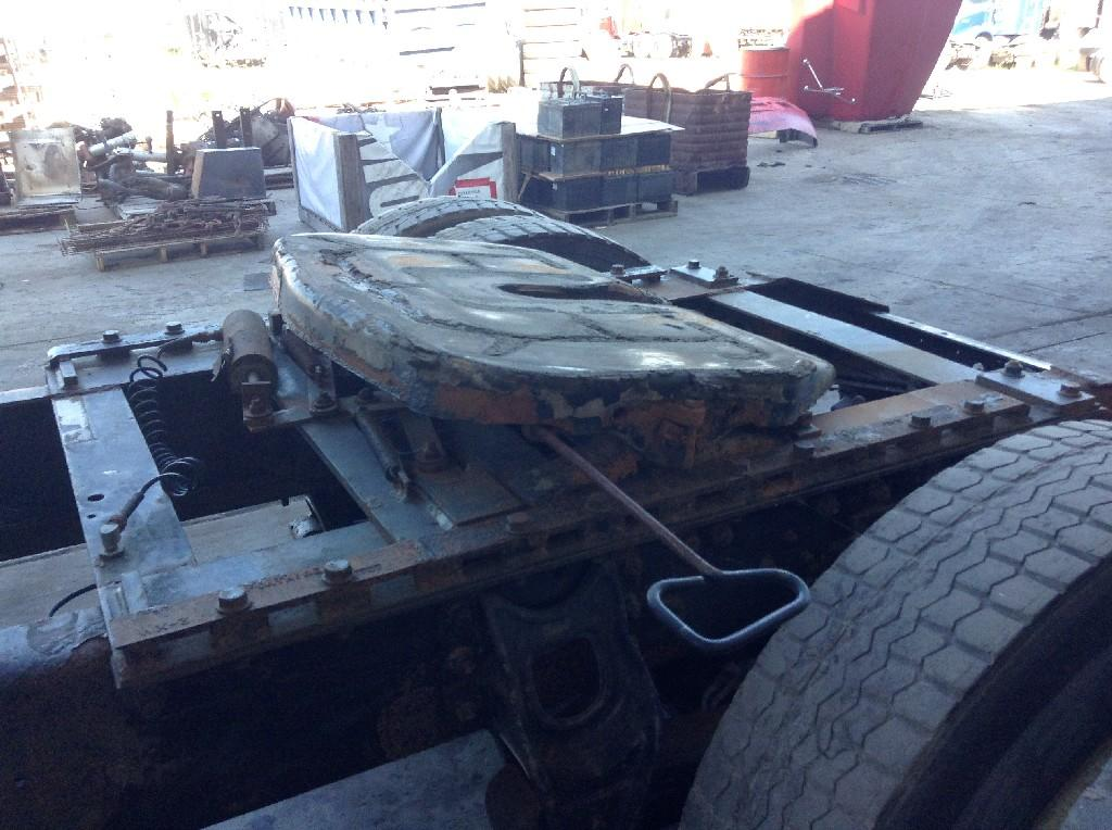 Used Fifth Wheel for 2002 INTERNATIONAL 8100 450.00 for sale-57273731