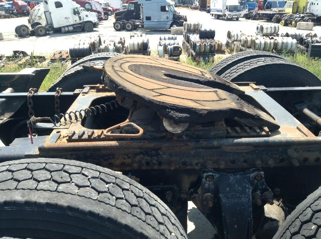 Used Fifth Wheel for 2000 FREIGHTLINER C120 CENTURY 450.00 for sale-57266511