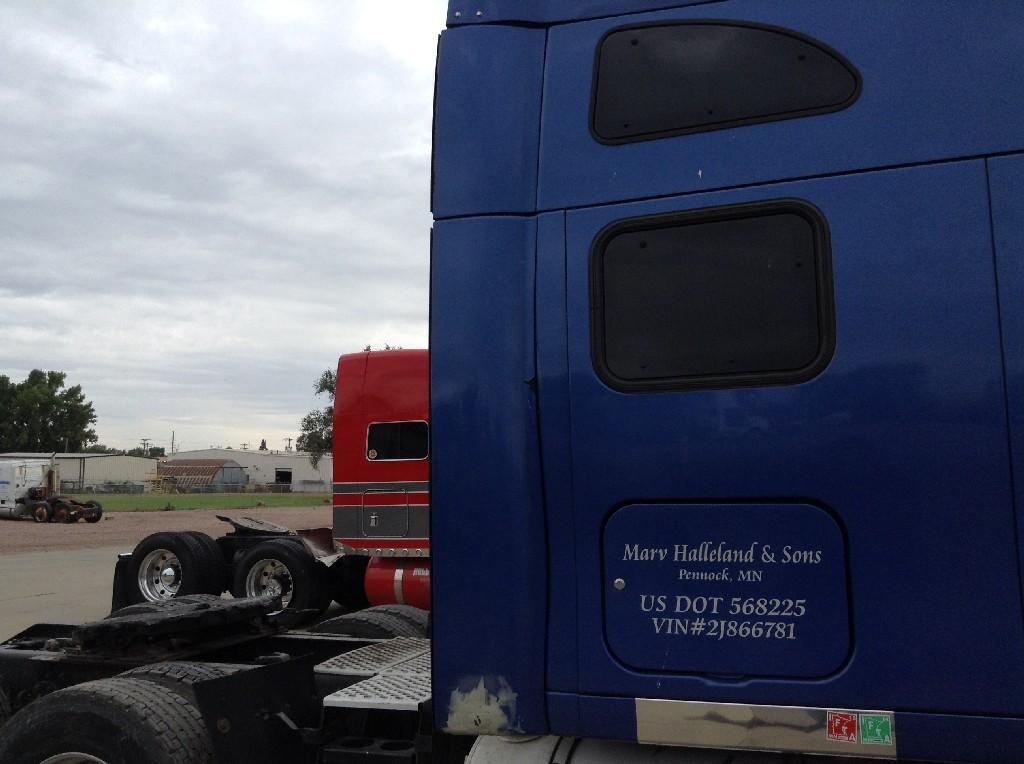 Used Fairing for 2002 KENWORTH T2000 225.00 for sale-57232741