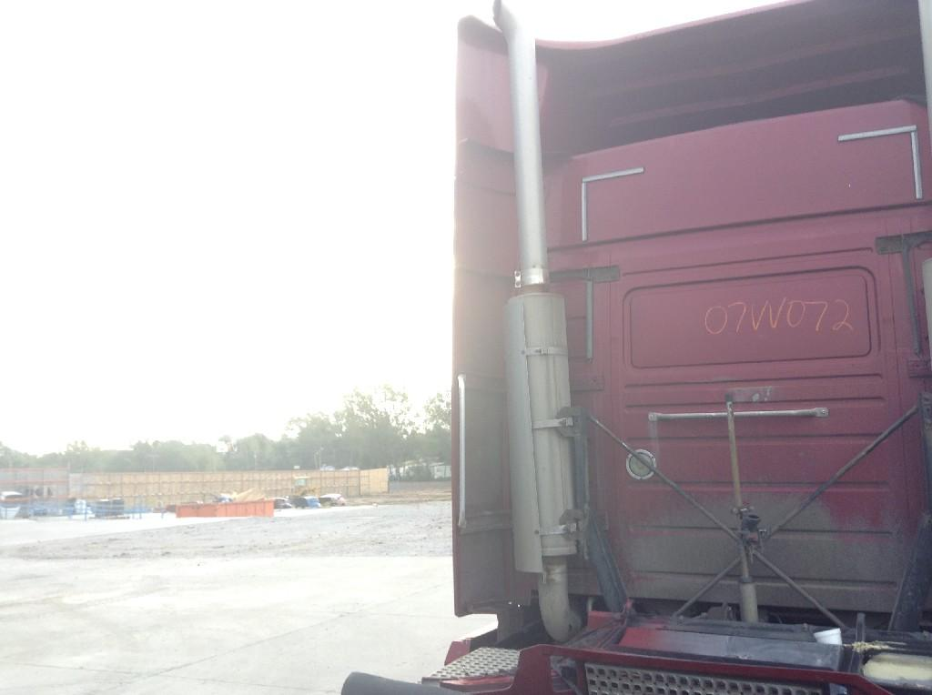 Used Fairing for 2007 VOLVO VNL 125.00 for sale-57229011