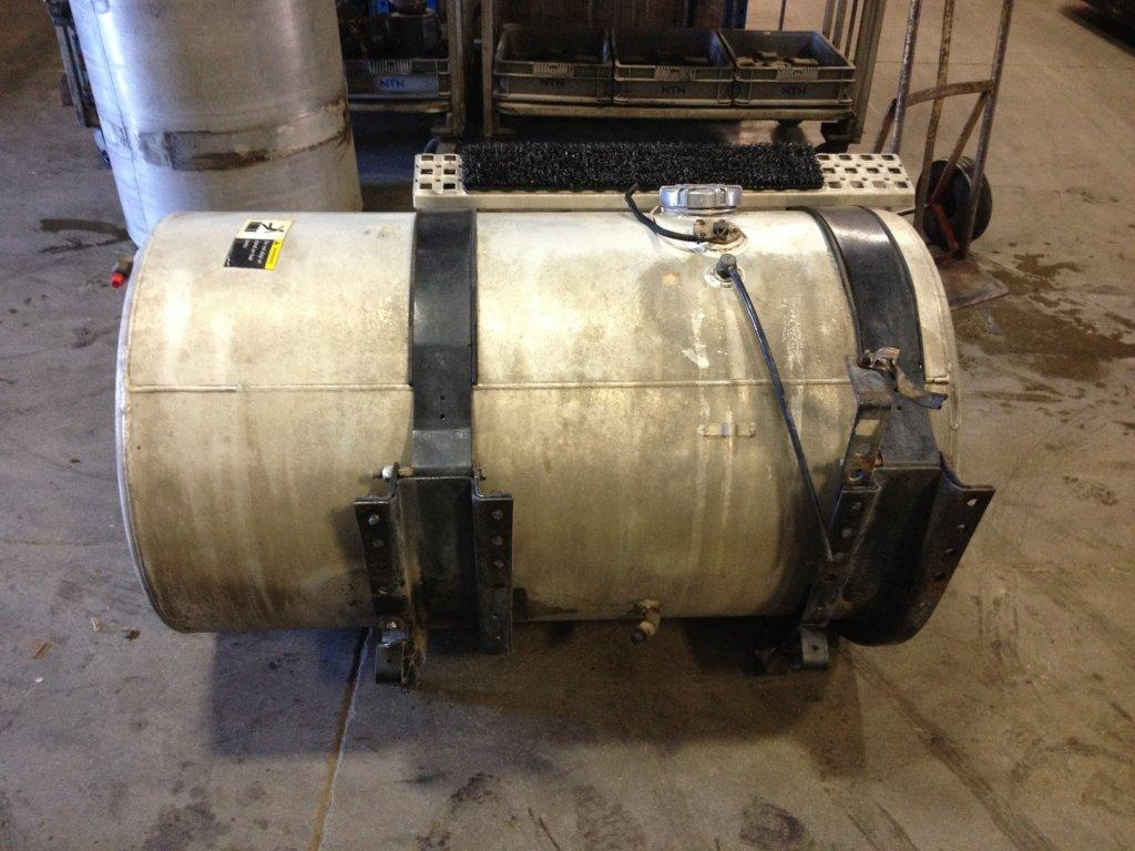 Used Fuel Tank for 1996 VOLVO WIA 750.00 for sale-57279601