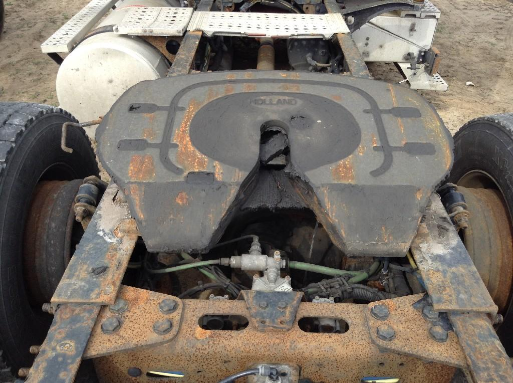 Used Fifth Wheel for 2006 FREIGHTLINER COLUMBIA 112 350.00 for sale-57267481