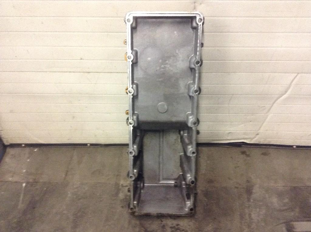 Used Engine Oil Pan for 2001 PETERBILT 387 200.00 for sale-57208911
