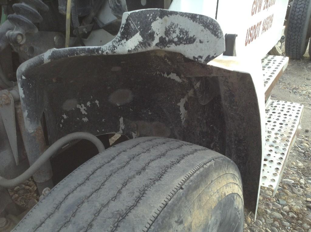 Used Fender for 1998 FREIGHTLINER FL70 75.00 for sale-57246671
