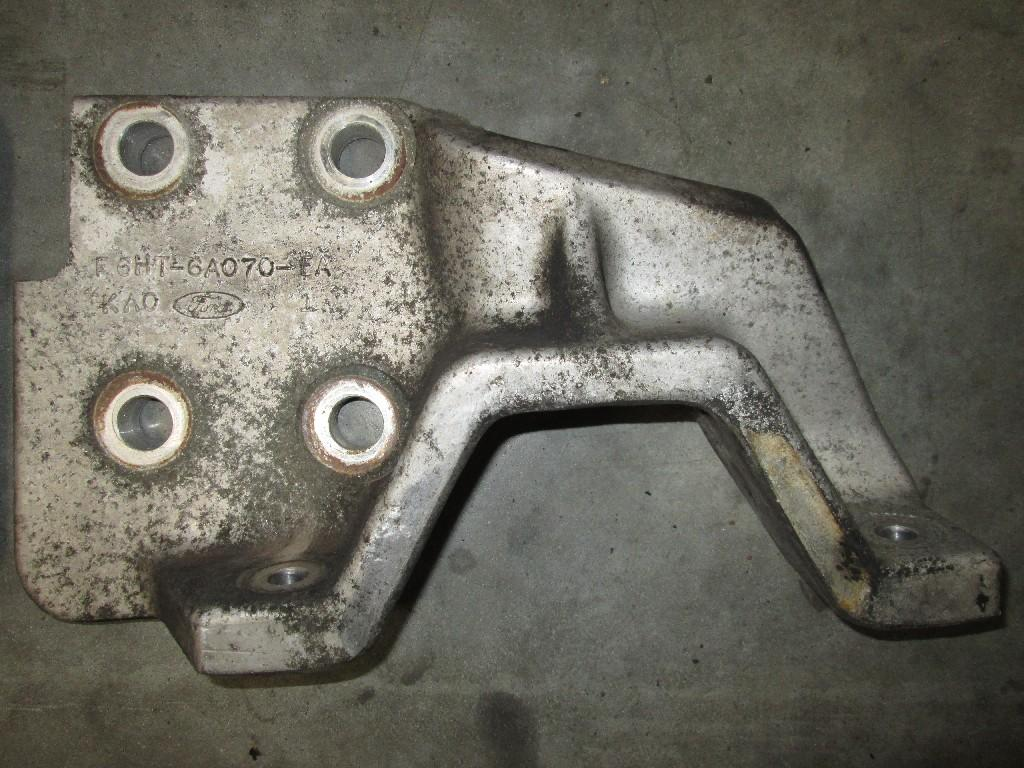 Used Engine Mounts for 2000 STERLING A9513 250.00 for sale-57207161