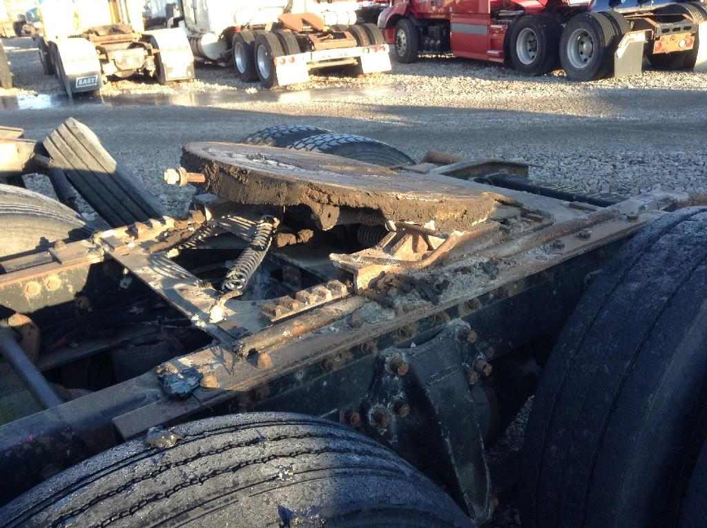 Used Fifth Wheel for 1994 FREIGHTLINER FLD120 350.00 for sale-57265291