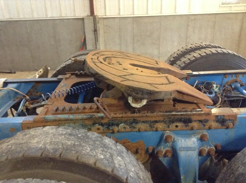 Used Fifth Wheel for 1996 FREIGHTLINER FLD120 450.00 for sale-57267671