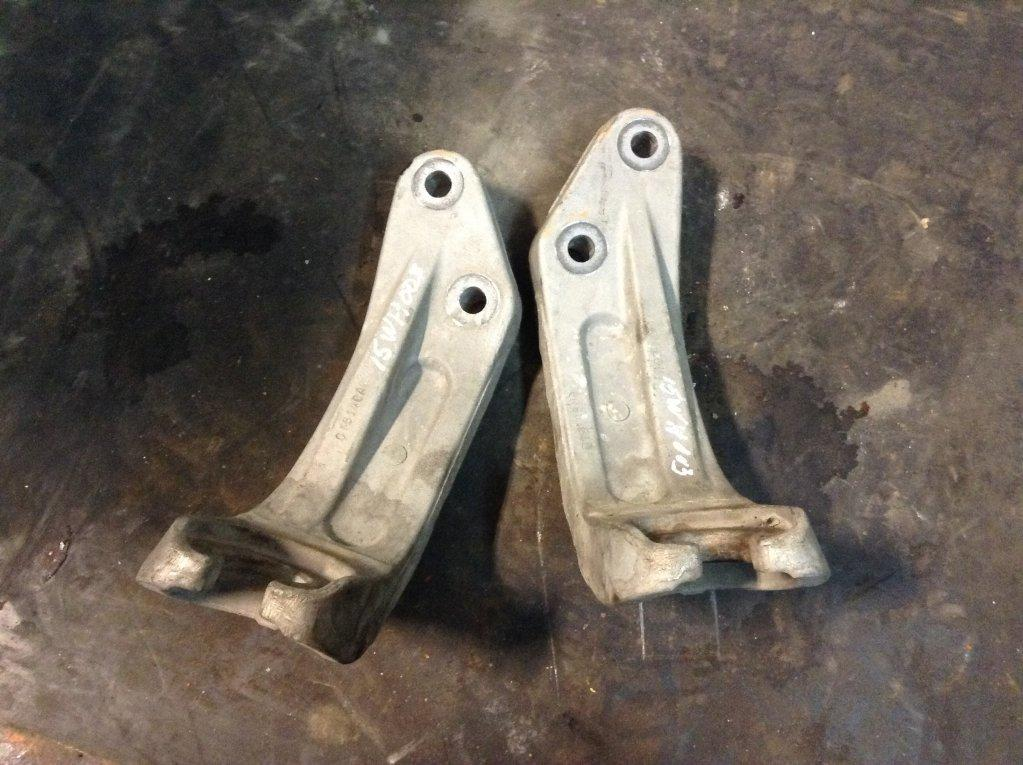 Used Engine Mounts for 2015 FREIGHTLINER CASCADIA 100.00 for sale-57207241