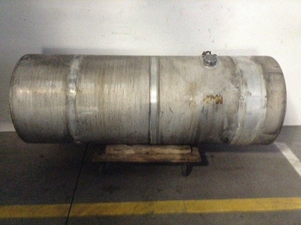Used Fuel Tank for 2006 VOLVO VNL 450.00 for sale-57279801