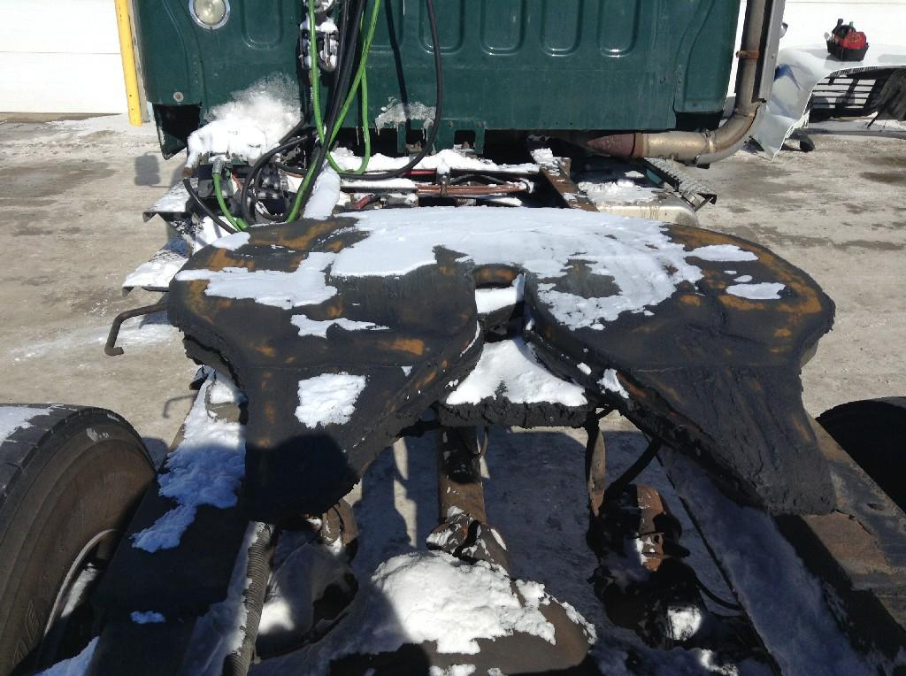 Used Fifth Wheel for 2005 FREIGHTLINER M2 106 350.00 for sale-57267711