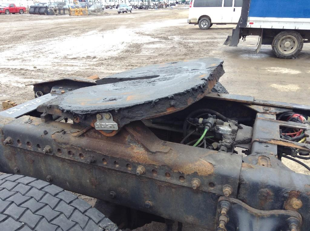 Used Fifth Wheel for 2007 FREIGHTLINER M2 106 350.00 for sale-57264551