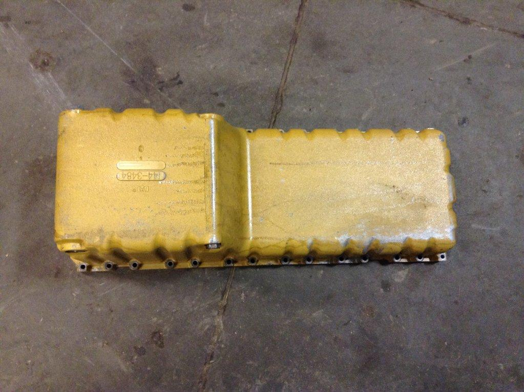 Used Engine Oil Pan for 2004 FREIGHTLINER FL70 350.00 for sale-57208981