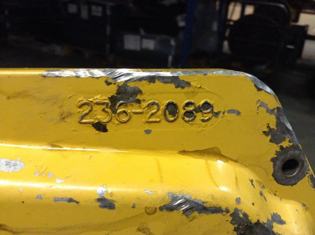 Used Engine Valve Cover for 2004 FREIGHTLINER FL70 100.00 for sale-57215141