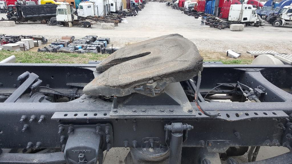 Used Fifth Wheel for 2004 VOLVO VNL 350.00 for sale-57267761