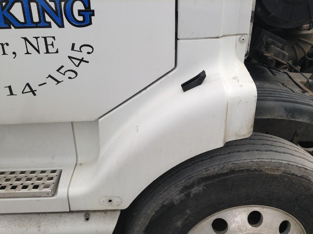 Used Fender for 2002 VOLVO VNL 150.00 for sale-57247901