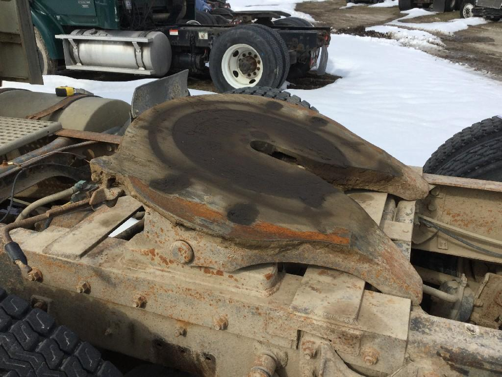 Used Fifth Wheel for 1992 INTERNATIONAL 9670 350.00 for sale-57274301