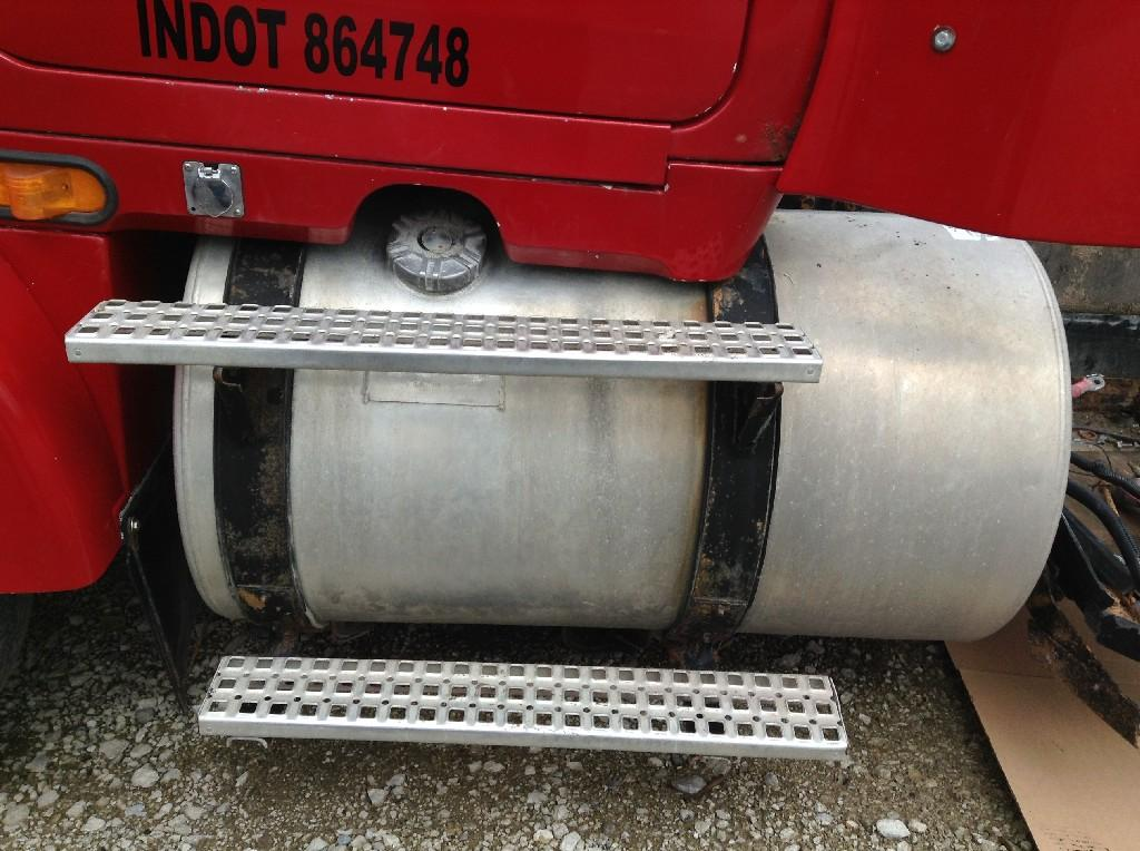 Used Fuel Tank for 1996 VOLVO WCA 750.00 for sale-57280331