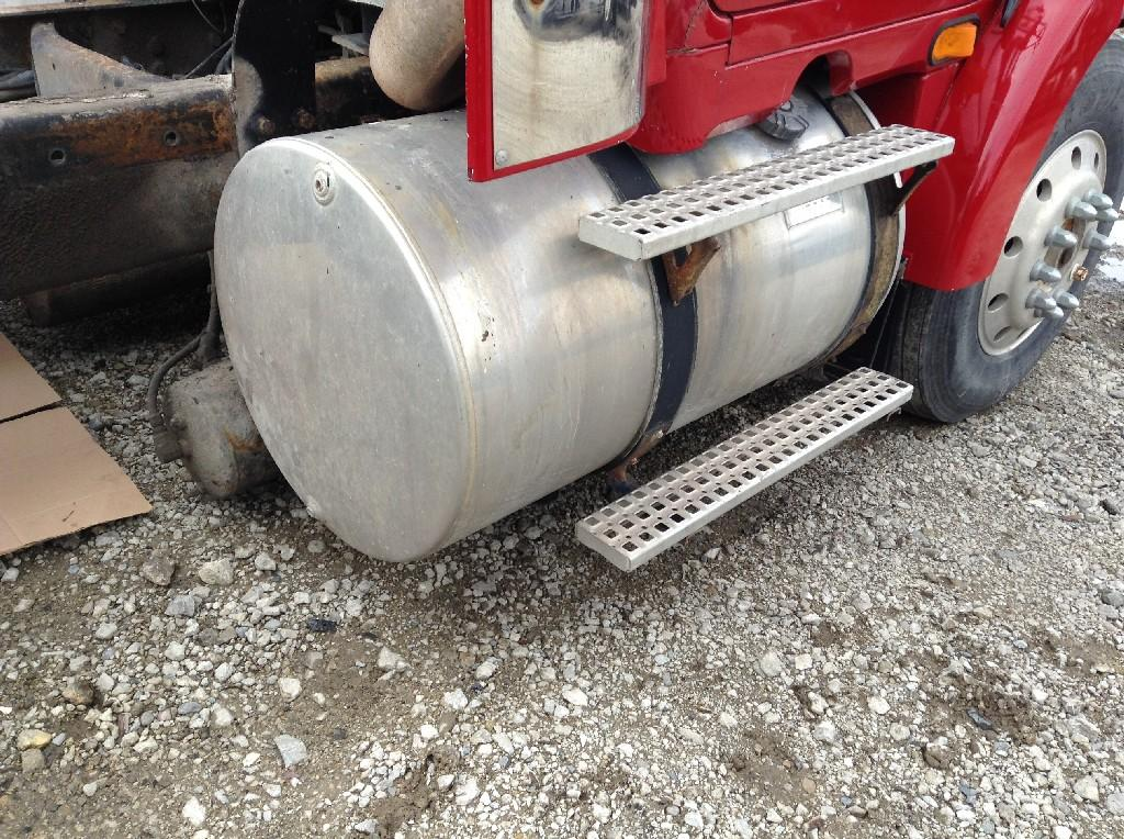 Used Fuel Tank for 1996 VOLVO WCA 750.00 for sale-57280341