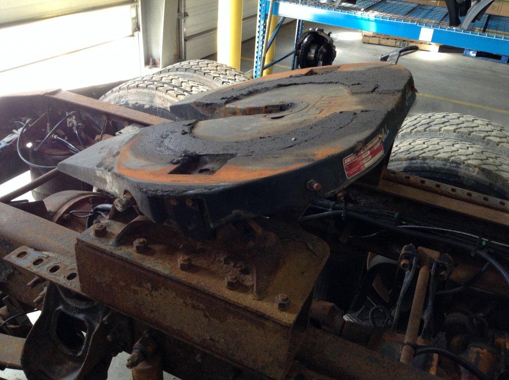 Used Fifth Wheel for 1998 INTERNATIONAL 9400 350.00 for sale-57264101