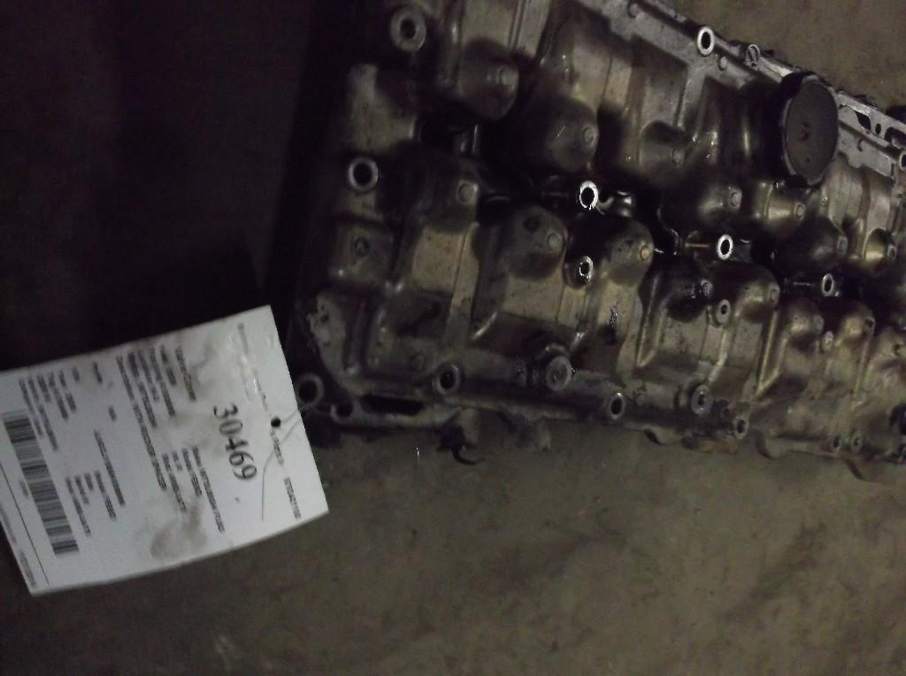 2005 MITSUBISHI 4M50-3AT8 Valve Cover